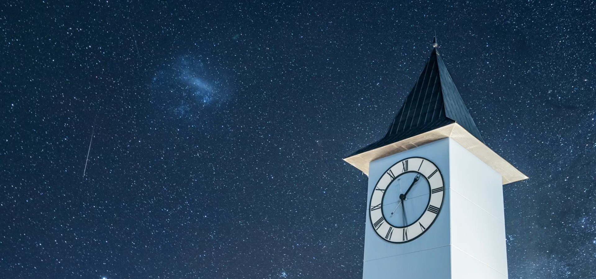 Cardrona Alpine Resort New Zealand Clock tower stargazing