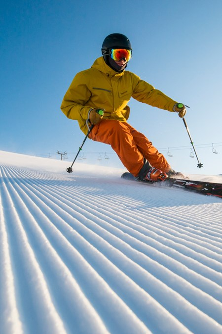 Cardrona Ski Resort - Skiing in New Zealand - Carving - Ski Fast -
