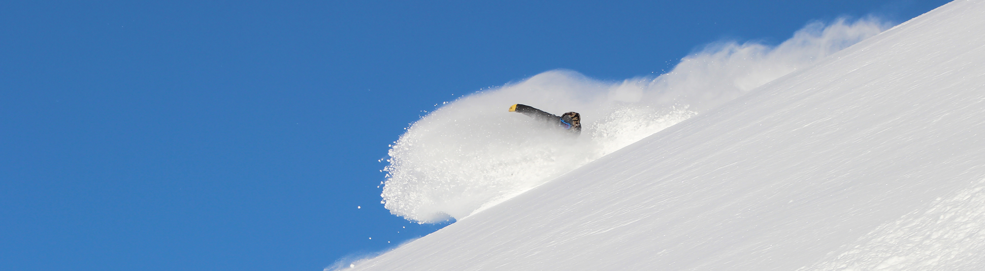 Cardrona-NZ-Powder-Snowboarder