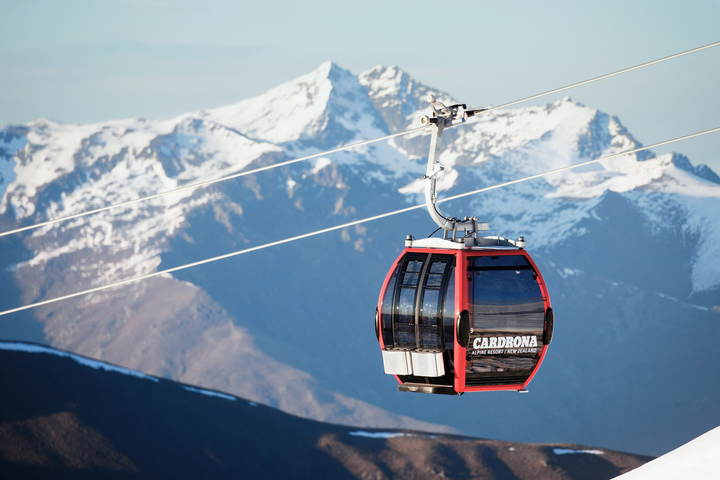 Cardrona - Gondola - Chondola - Skiing in New Zealand - learn to ski - learn to snowboard