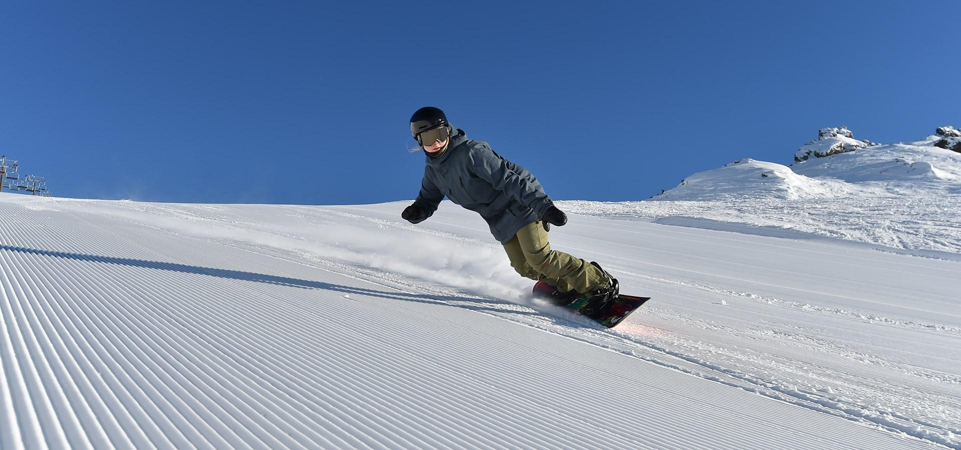 vente chaude en ligne e92c8 1098f Skiing & Snowboarding in New Zealand   Cardrona NZ