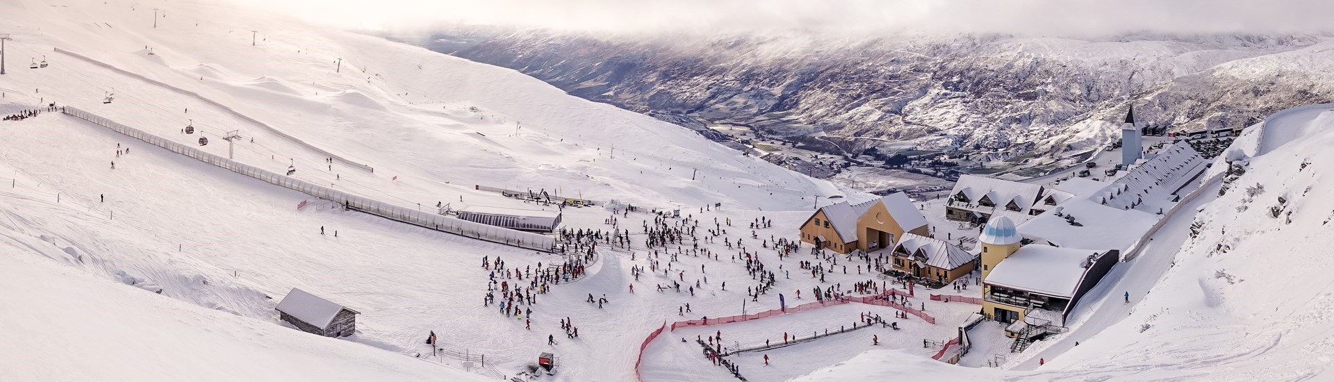 Cardrona ski snowboard mounatin New Zealand